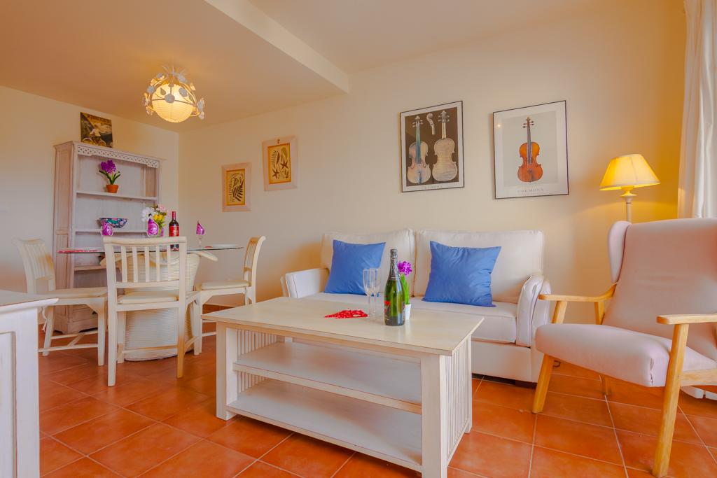 Alcosta 6, Beautiful and comfortable apartment in Altea, on the Costa Blanca, Spain for 6 persons. The apartment is situated in a urban.....
