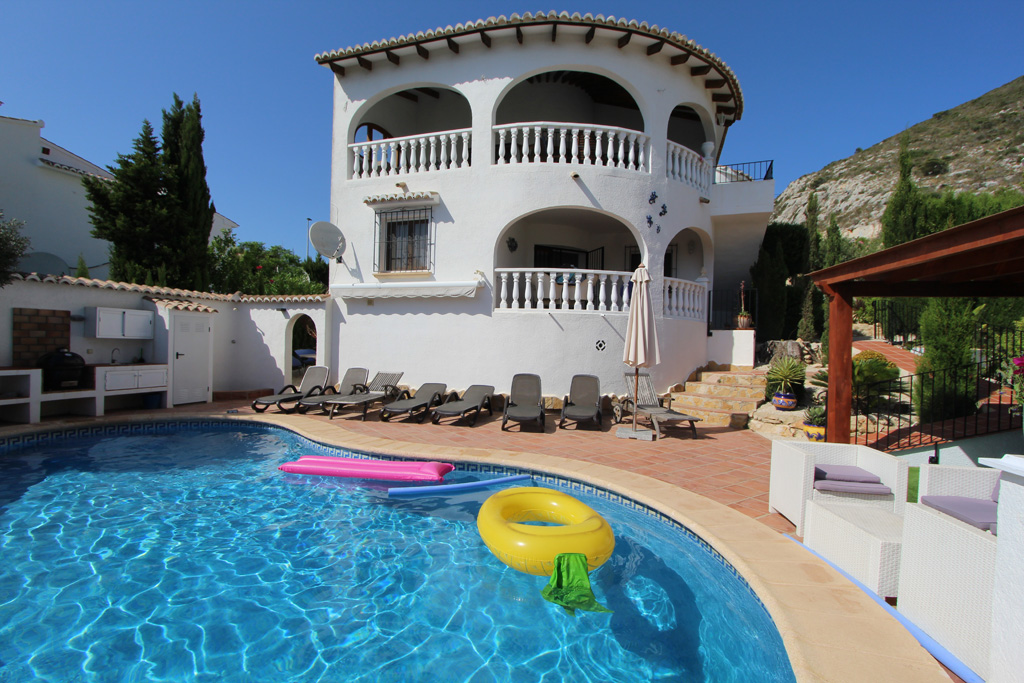 Villa Jiliamba 10, Beautiful and comfortable villa in Moraira, on the Costa Blanca, Spain  with private pool for 10 persons.....