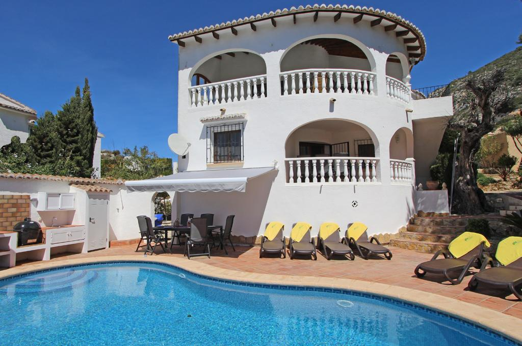 Casa Jiliamba 6, Beautiful and comfortable villa in Moraira, on the Costa Blanca, Spain  with private pool for 6 persons.....