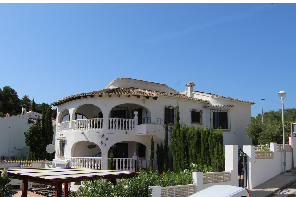 Jiliamba  LT, Beautiful and comfortable villa  with private pool in Moraira, on the Costa Blanca, Spain for 4 persons.....