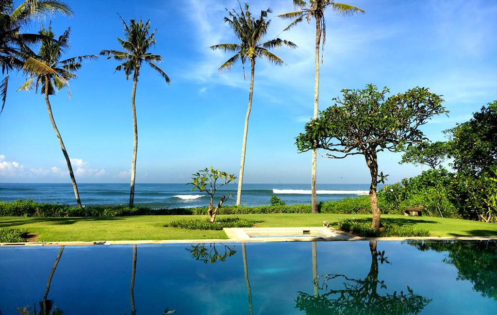 Ombak Luwung Beachfront Estate, Beautiful and  luxury villa  with private pool in Canggu, Bali, Indonesia for 10 persons...