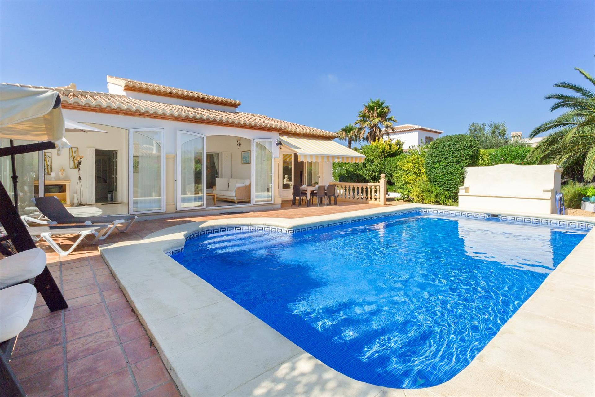 Deseo, Wonderful and nice villa  with private pool in Javea, on the Costa Blanca, Spain for 6 persons.....