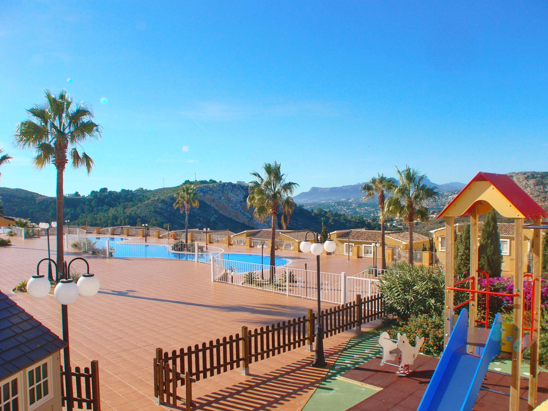 Piso Palmeras, Large and comfortable apartment in Benitachell, on the Costa Blanca, Spain  with communal pool for 4 persons.....