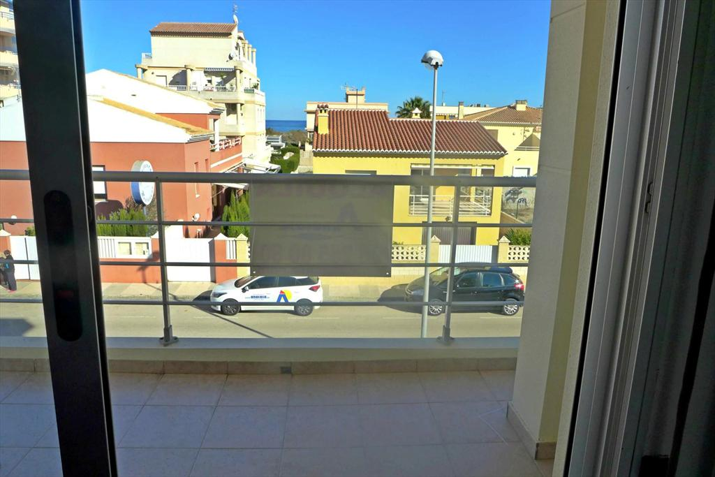 AP568, Beautiful and cheerful apartment  with communal pool in Oliva, on the Costa Blanca, Spain for 4 persons.....