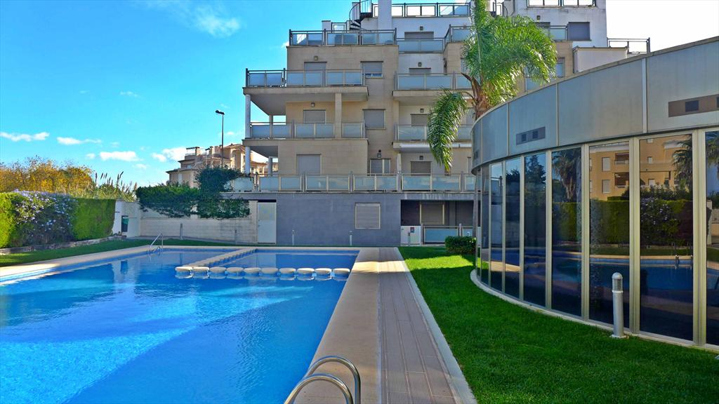 AP550, Beautiful and cheerful apartment  with communal pool in Oliva, on the Costa Blanca, Spain for 4 persons.....