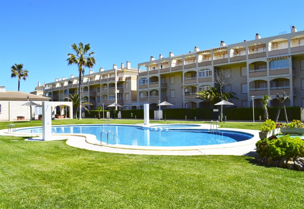 AT3202 Gran Ático en Primera Línea de Playa, Large and cheerful holiday house  with communal pool in Denia, on the Costa Blanca, Spain for 6 persons.....