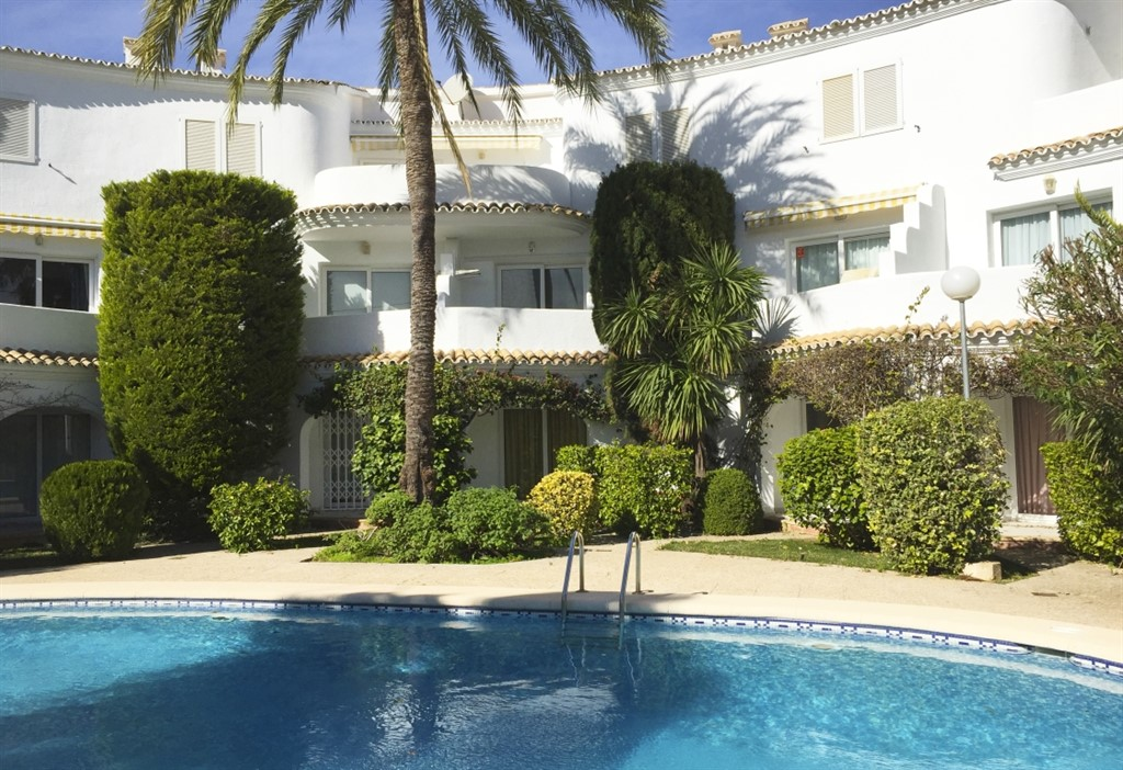 AP2116 Muy cerca del Mar y del Centro, Wonderful and comfortable apartment in Denia, on the Costa Blanca, Spain  with communal pool for 4 persons.....
