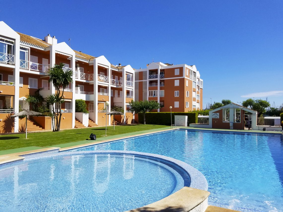 AP2119 Frente al Club Náutico con Piscina, Lovely and cheerful apartment  with communal pool in Denia, on the Costa Blanca, Spain for 4 persons.....