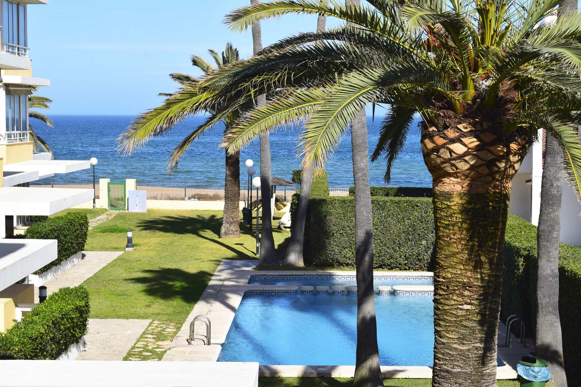 AP2206 Punta Marines Llac Victoria, Wonderful and cheerful apartment in Denia, on the Costa Blanca, Spain  with communal pool for 6 persons.....