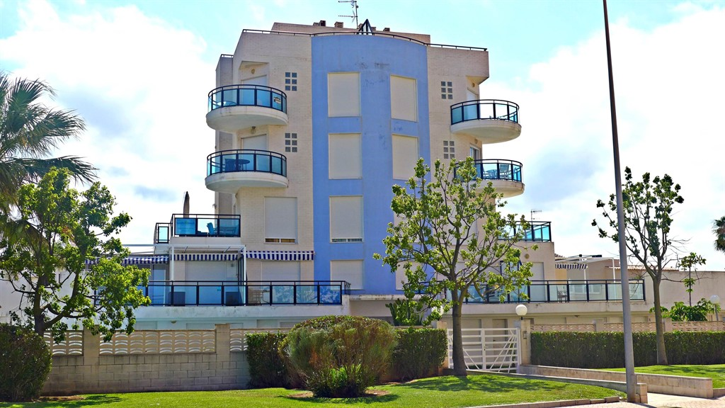 AP660, Modern and nice apartment in Oliva, on the Costa Blanca, Spain  with communal pool for 6 persons.....