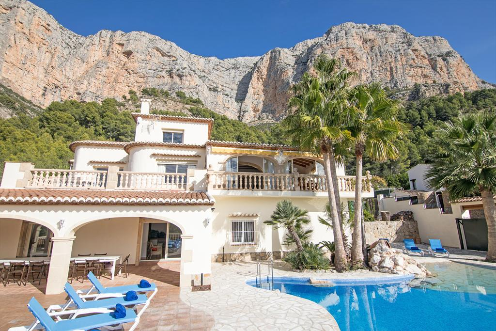Ermita, Large and comfortable holiday home in Javea, on the Costa Blanca, Spain  with private pool for 14 persons...