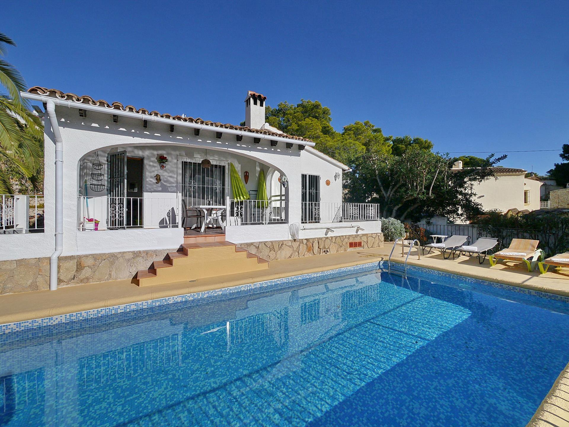 Ana Marie, Beautiful and comfortable villa  with private pool in Moraira, on the Costa Blanca, Spain for 4 persons.....