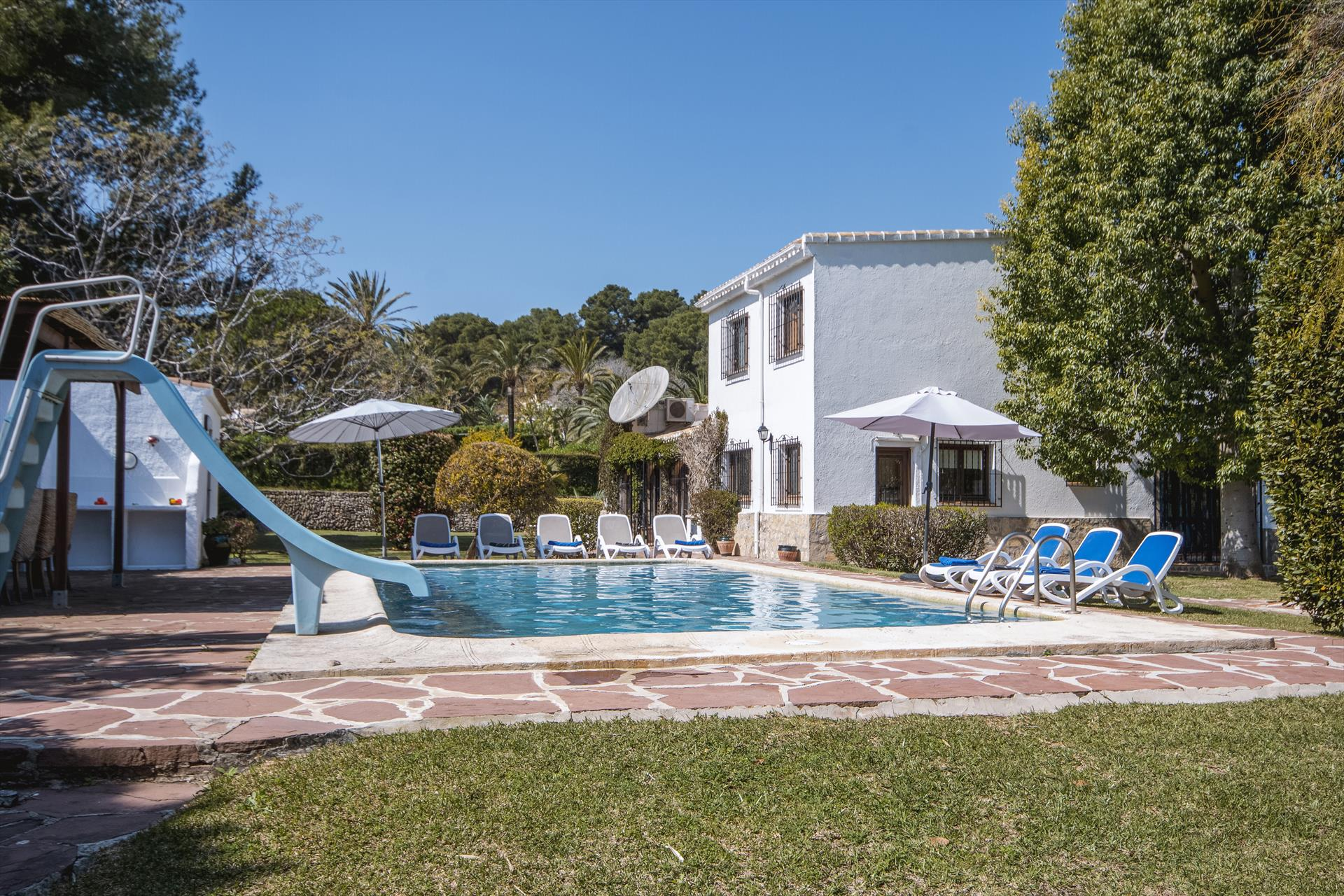 Villa Escocia 4 pax, Large and comfortable villa  with private pool in Javea, on the Costa Blanca, Spain for 4 persons...