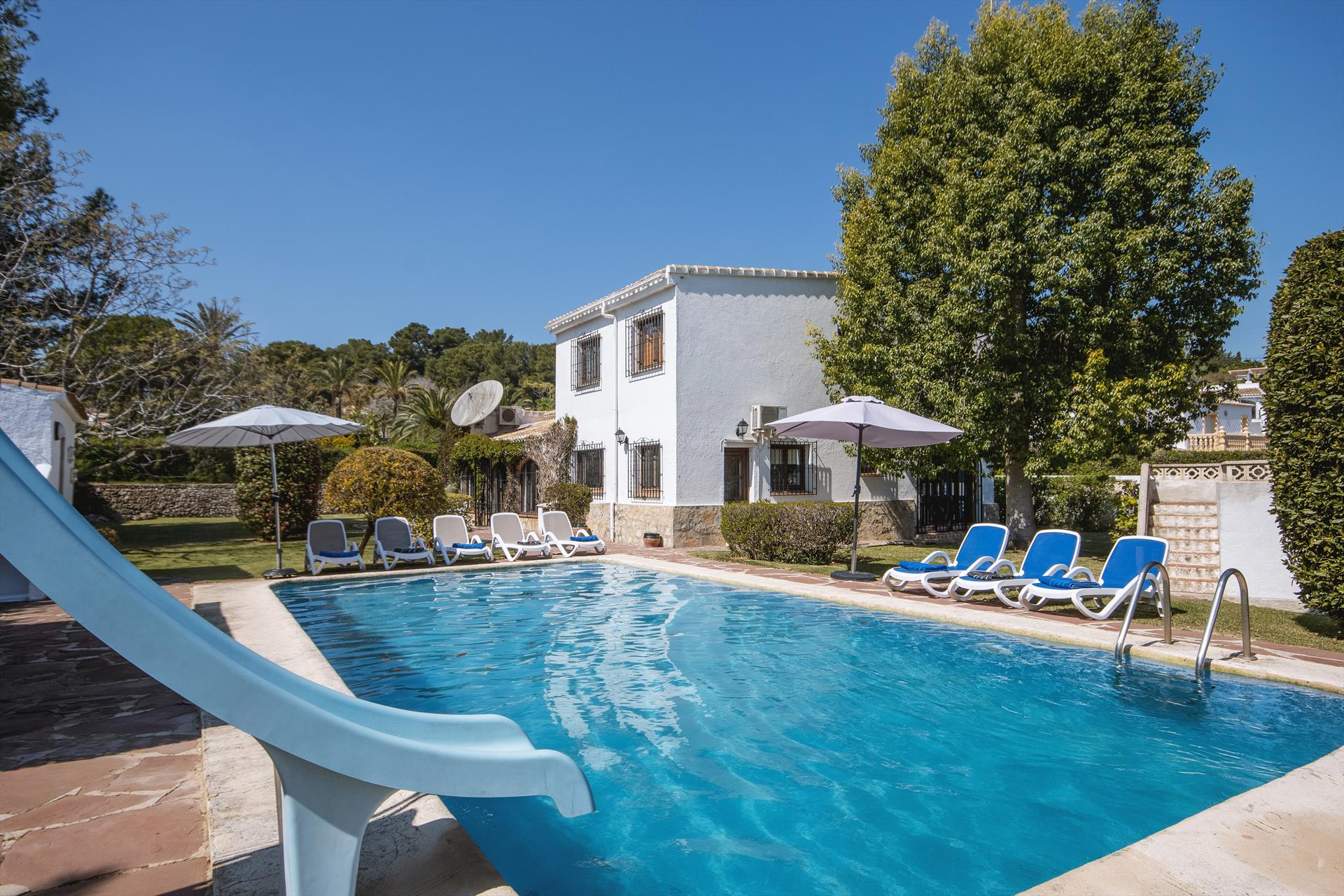 Villa Escocia 8 pax, Large and comfortable villa  with private pool in Javea, on the Costa Blanca, Spain for 8 persons.....