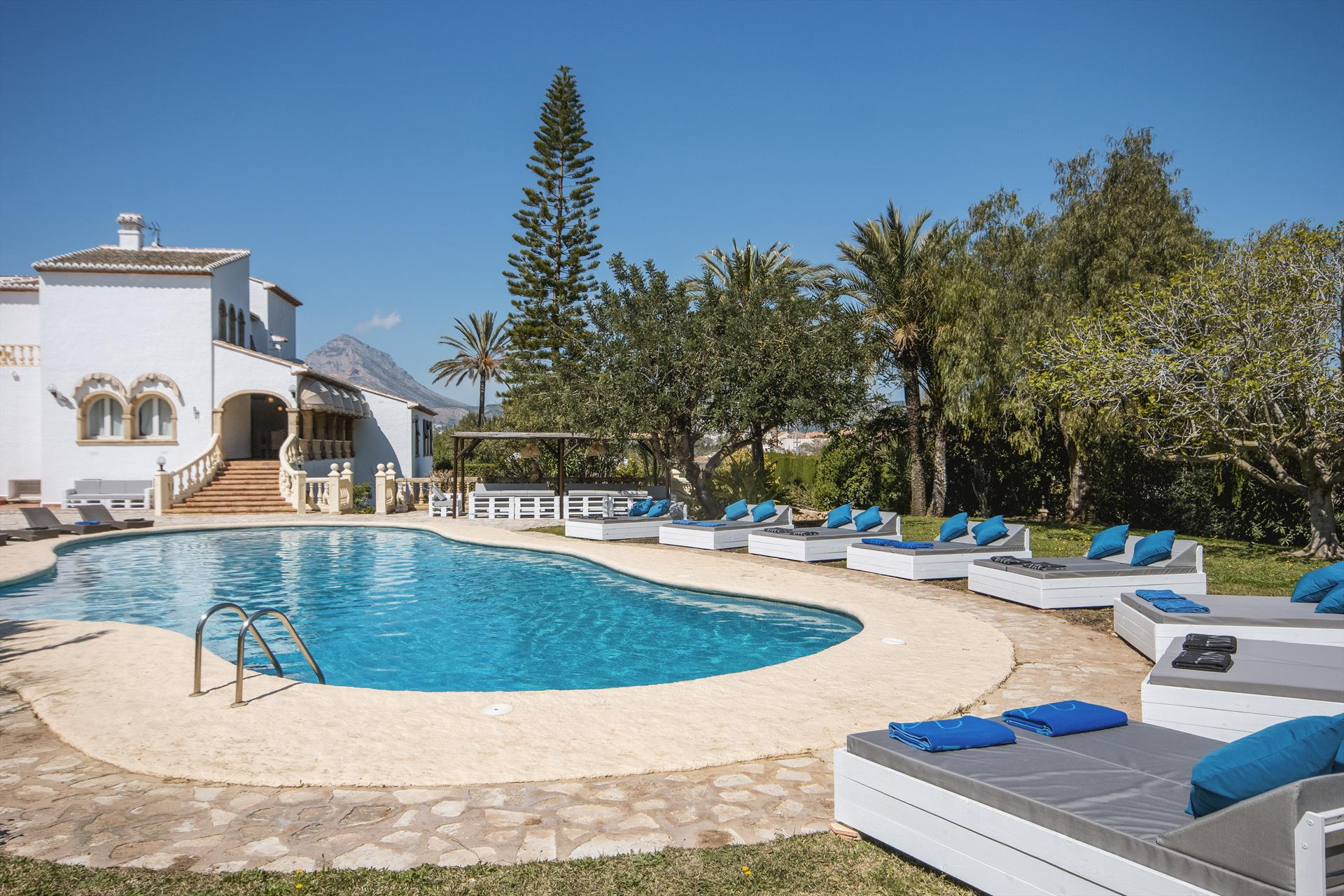 Adsubia 22, Large and comfortable villa  with private pool in Javea, on the Costa Blanca, Spain for 22 persons.....