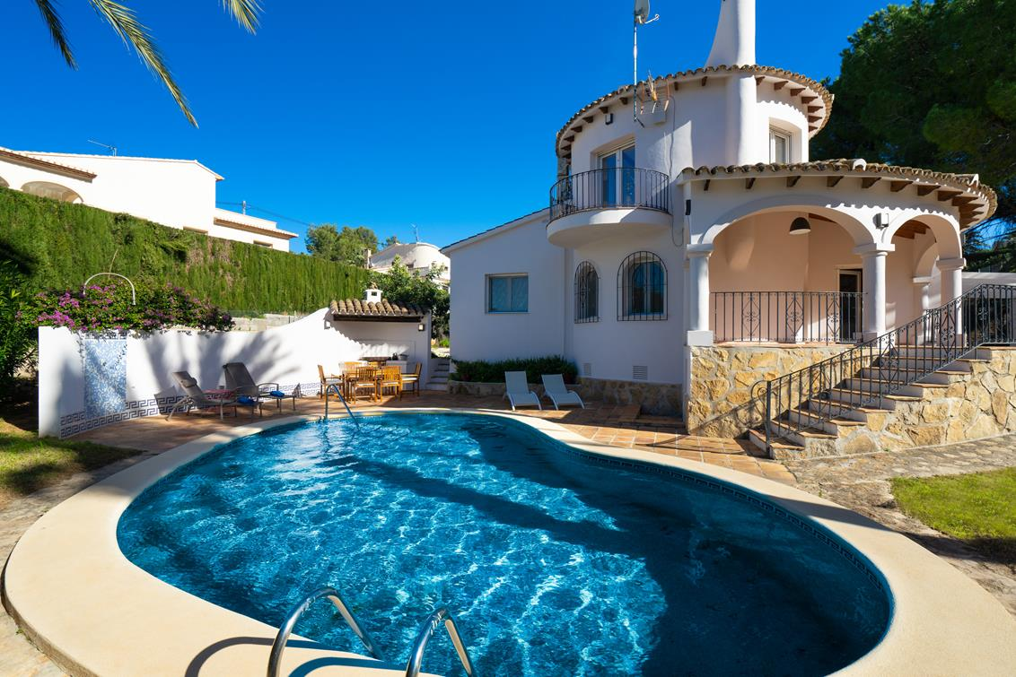Anxao, Beautiful and cheerful holiday home  with private pool in Denia, on the Costa Blanca, Spain for 6 persons.....