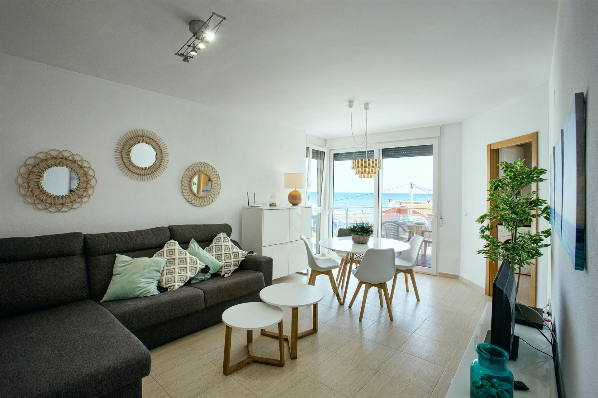 Zurich 47, Comfortable apartment in Denia, on the Costa Blanca, Spain  with communal pool for 4 persons.....