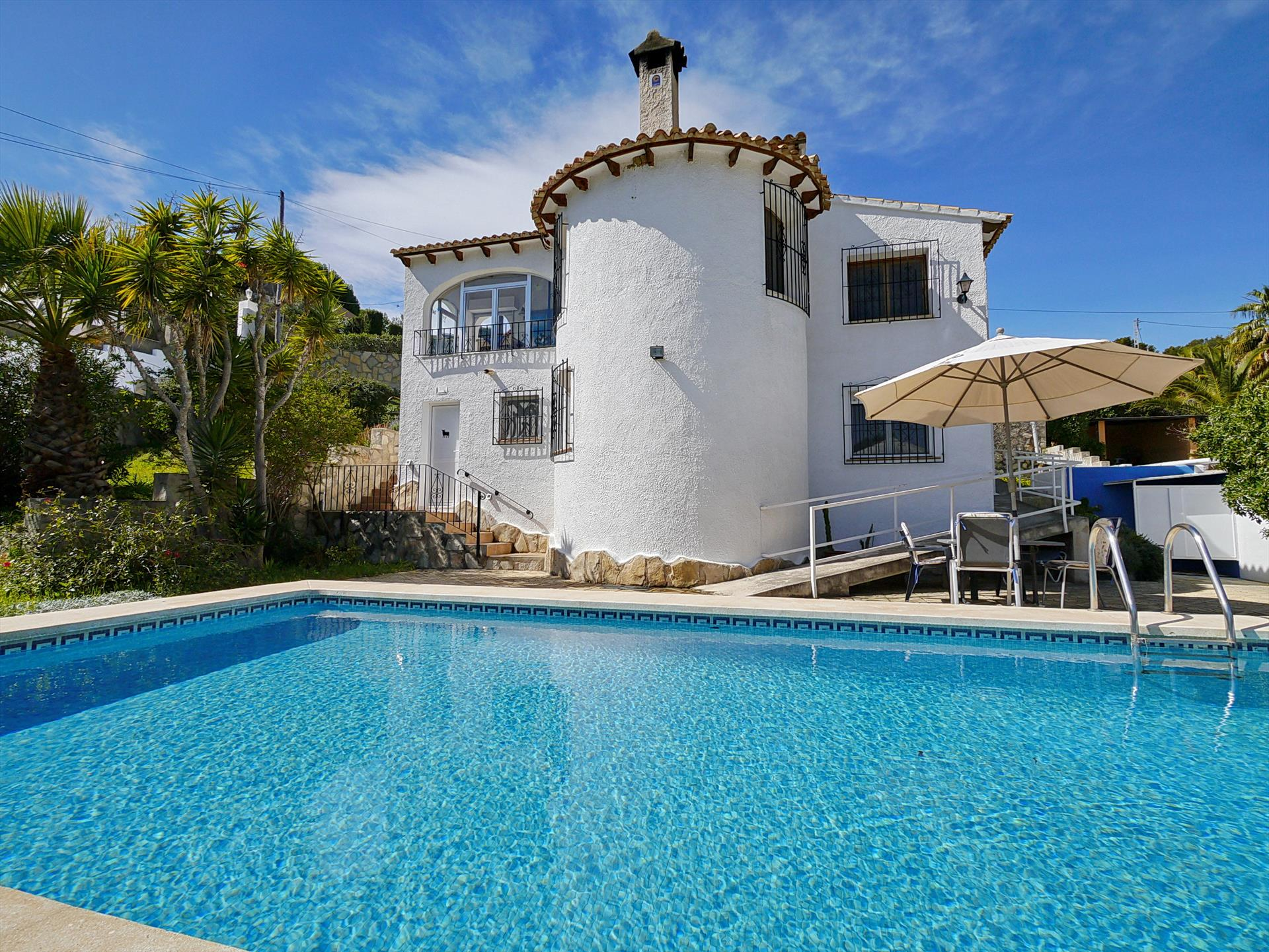 Juliane, Wonderful and cheerful villa in Benissa, on the Costa Blanca, Spain  with private pool for 6 persons.....
