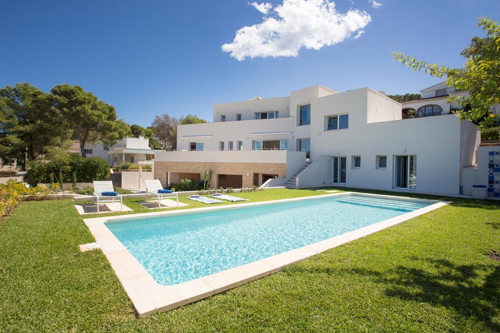Higuera,Villa de lujo moderna y  en Javea, en la Costa Blanca, España  con piscina privada para 8 personas.....