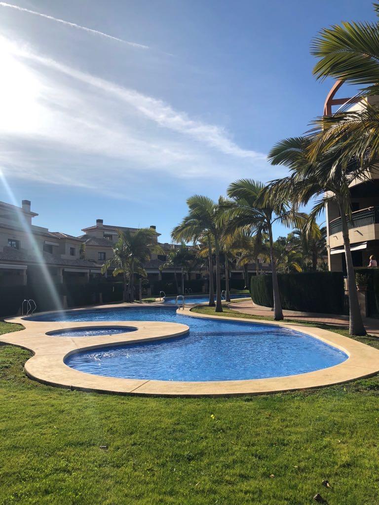 Mili 2 pax,Apartamento moderno y de lujo  con piscina comunitaria en Javea, en la Costa Blanca, España para 2 personas.....