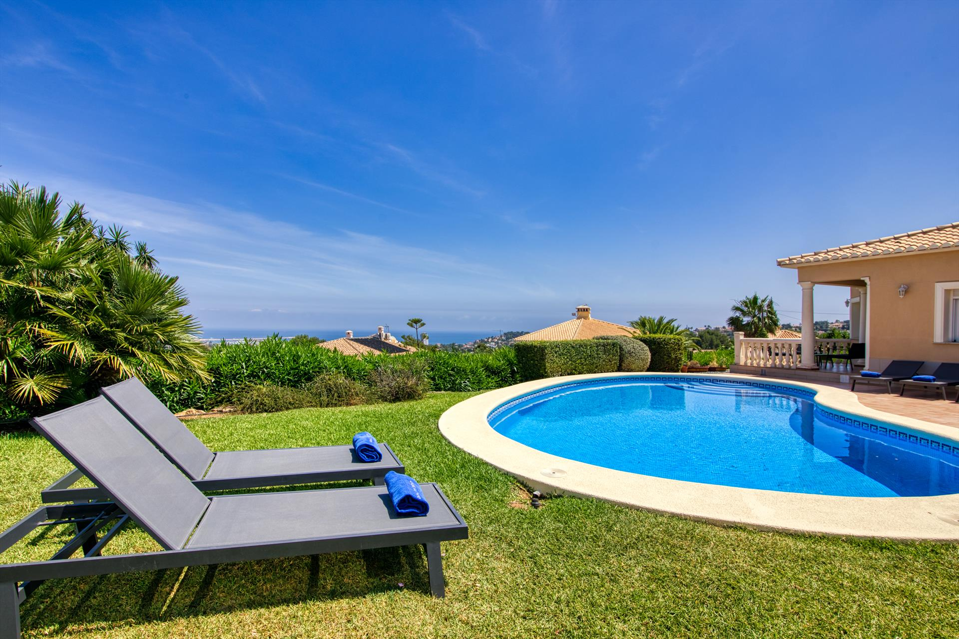 Villa Joli Art, Modern and comfortable villa  with private pool in Denia, on the Costa Blanca, Spain for 6 persons...