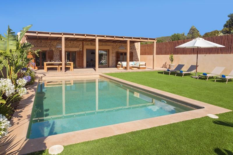 359, Beautiful and comfortable villa  with private pool in San Jose, Ibiza, Spain for 6 persons...