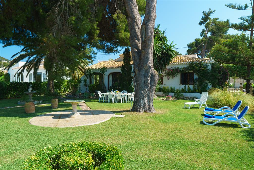 Ginjoler, Beautiful and romantic villa in Javea, on the Costa Blanca, Spain  with private pool for 6 persons...