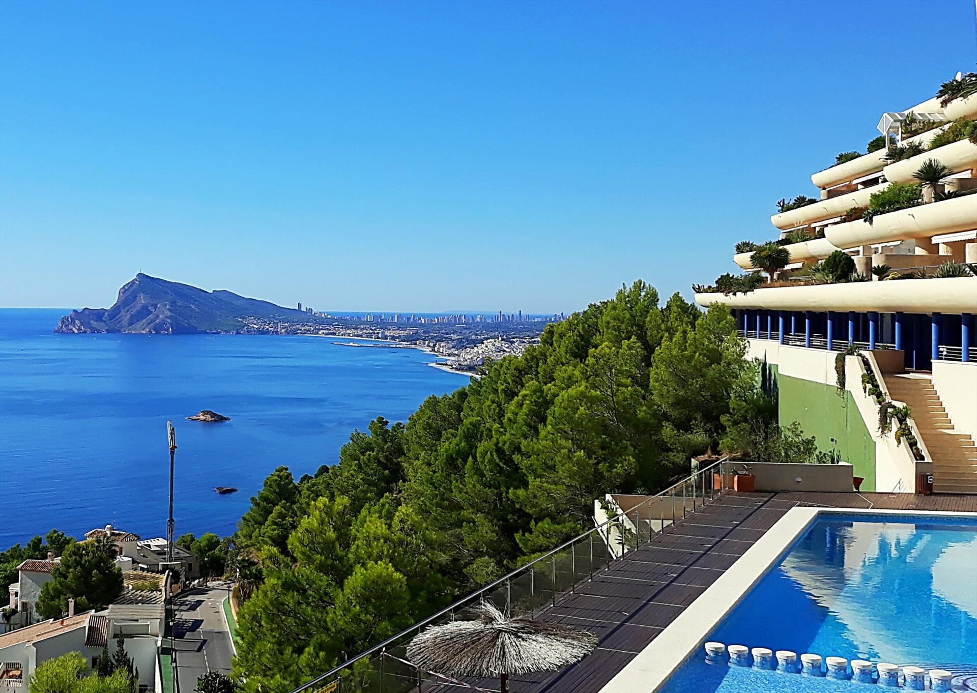 Las Terrazas Altea Hills,Prachtig en luxe appartement  met gemeenschappelijk zwembad in Altea, aan de Costa Blanca, Spanje voor 6 personen.....