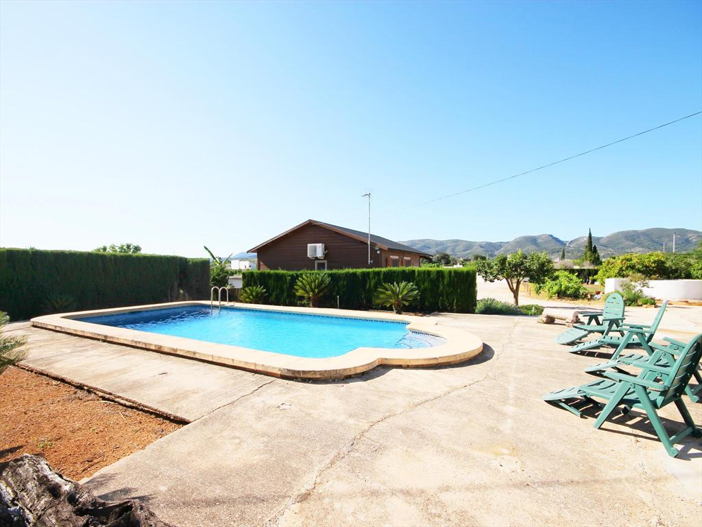 Celler, Beautiful and cheerful villa in Gata De Gorgos, on the Costa Blanca, Spain  with communal pool for 4 persons.....