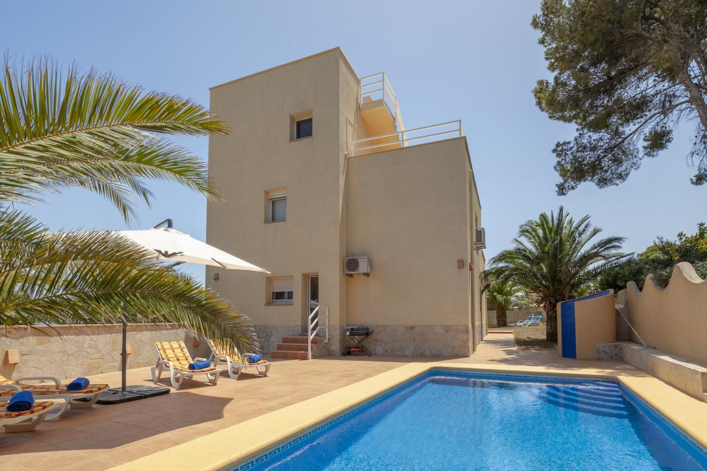 Casa Ost, Large and nice villa in Javea, on the Costa Blanca, Spain  with private pool for 8 persons...