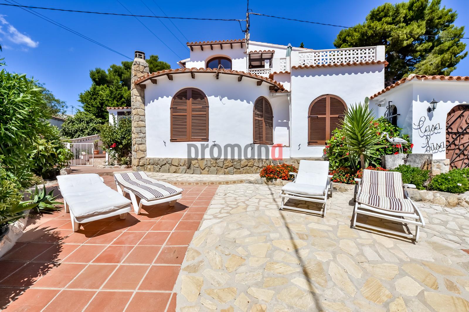 Casa lisa,Mooie villa in Benissa, aan de Costa Blanca, Spanje  met privé zwembad voor 4 personen...