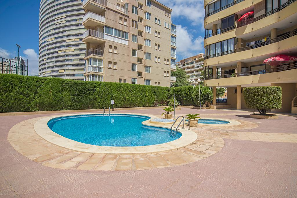 Europa 4 o 6, Apartment  with communal pool in Calpe, on the Costa Blanca, Spain for 6 persons.....
