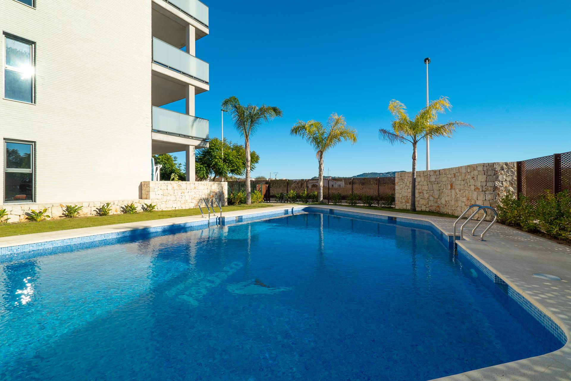 Arenal Dream II, Modern and comfortable apartment in Javea, on the Costa Blanca, Spain  with communal pool for 4 persons.....