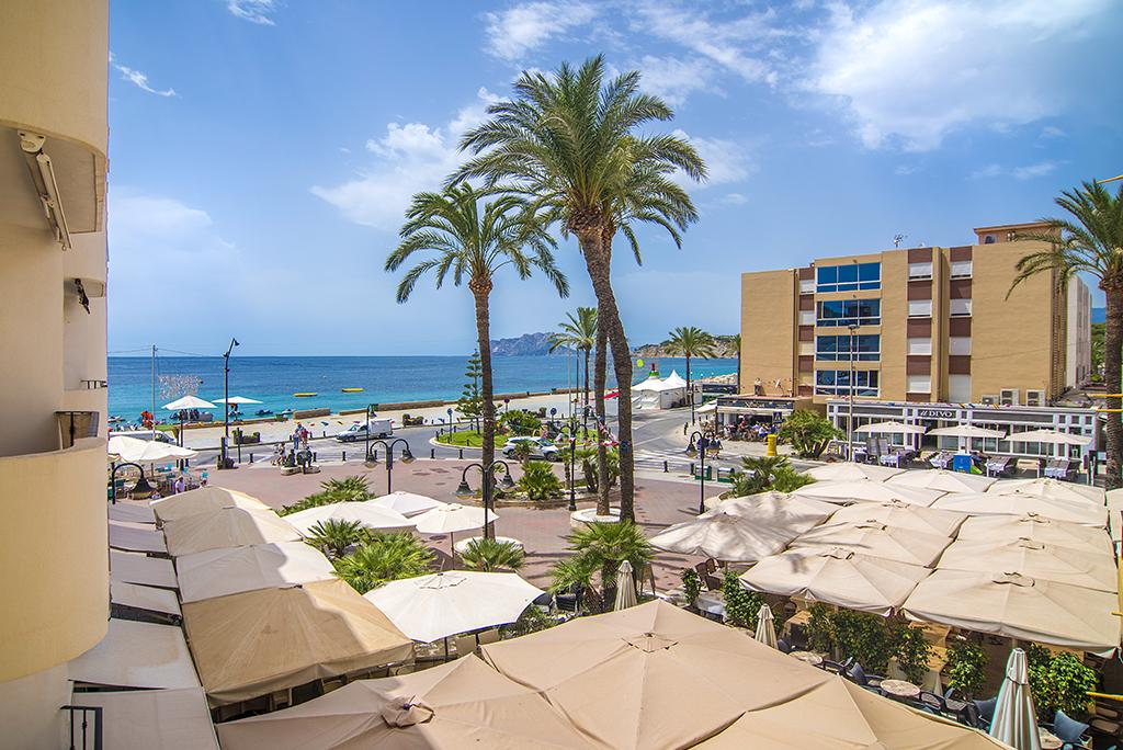 Toni 6 o 8, Apartment in Moraira, on the Costa Blanca, Spain for 8 persons.....