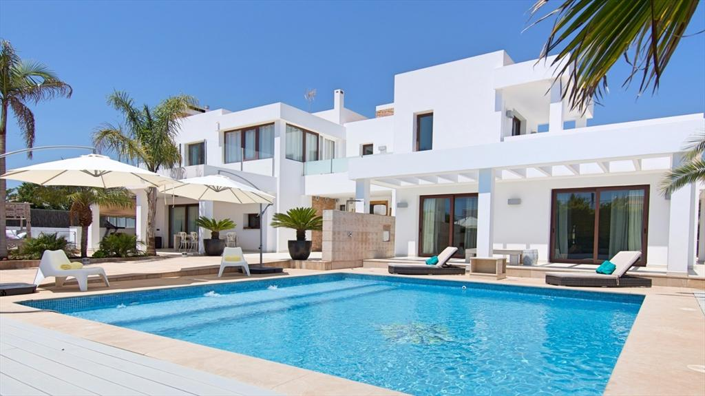 Artist, Wonderful and luxury villa  with private pool in Ibiza, Ibiza, Spain for 8 persons...