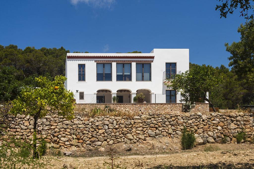 Prado, Wonderful and luxury villa  with private pool in Santa Eulalia, Ibiza, Spain for 8 persons...