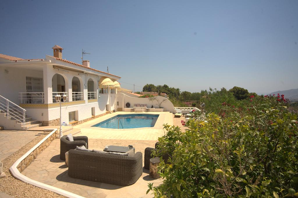 El Elephante Feliz, Wonderful and cheerful villa in Alfaz Del Pi, on the Costa Blanca, Spain  with private pool for 8 persons.....