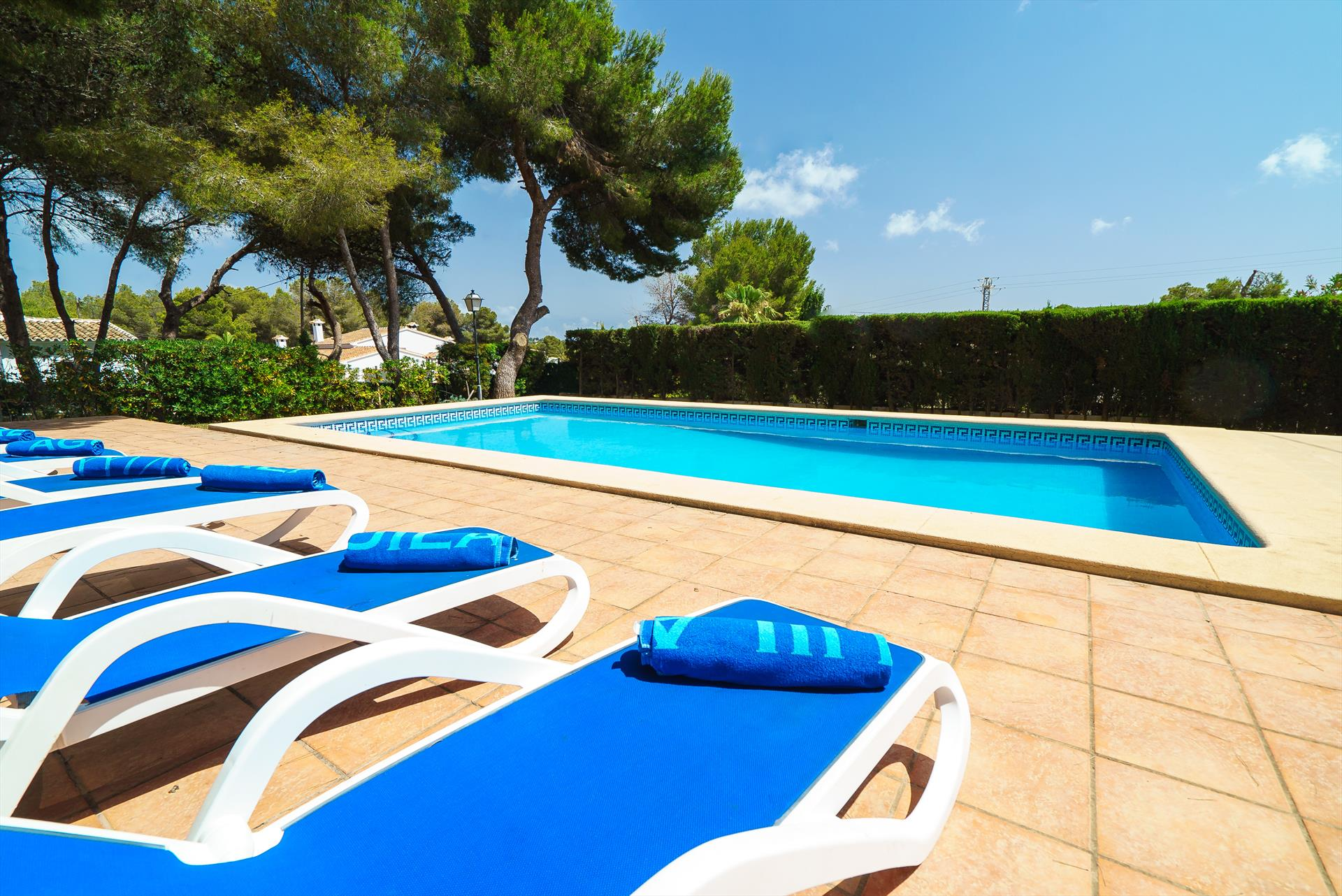 Carlos 6, Beautiful and comfortable villa in Javea, on the Costa Blanca, Spain  with private pool for 6 persons.....