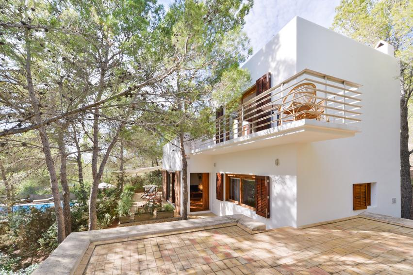 Caspi, Beautiful and cheerful villa in San Jose, Ibiza, Spain  with private pool for 6 persons...