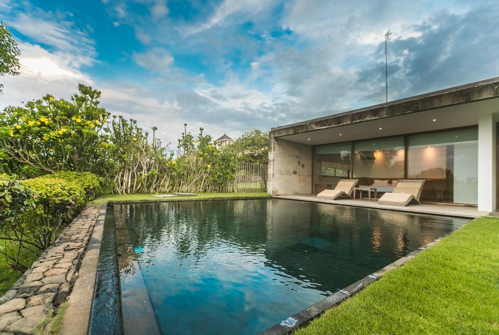 Nakar 3BR,Moderne en gezellige villa in Jimbaran, op Bali, Indonesië  met privé zwembad voor 6 personen...