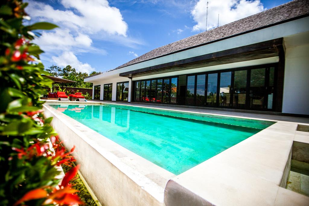 Dorentahn, Large and cheerful villa in Bali, Bali, Indonesia  with private pool for 8 persons...
