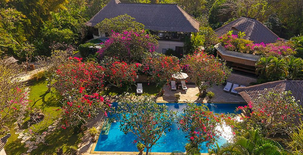 Waru 3 BR,Lovely and luxury villa  with private pool in Nusa Dua, Bali, Indonesia for 14 persons...