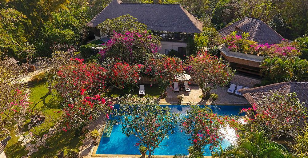 Waru 3 BR,Villa charmante et de luxe à Nusa Dua, Bali, Indonésie  avec piscine privée pour 14 personnes...
