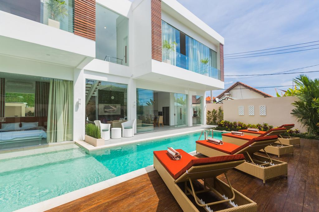 Serenity 2BR, Large and cheerful villa in Seminyak, Bali, Indonesia  with private pool for 4 persons...