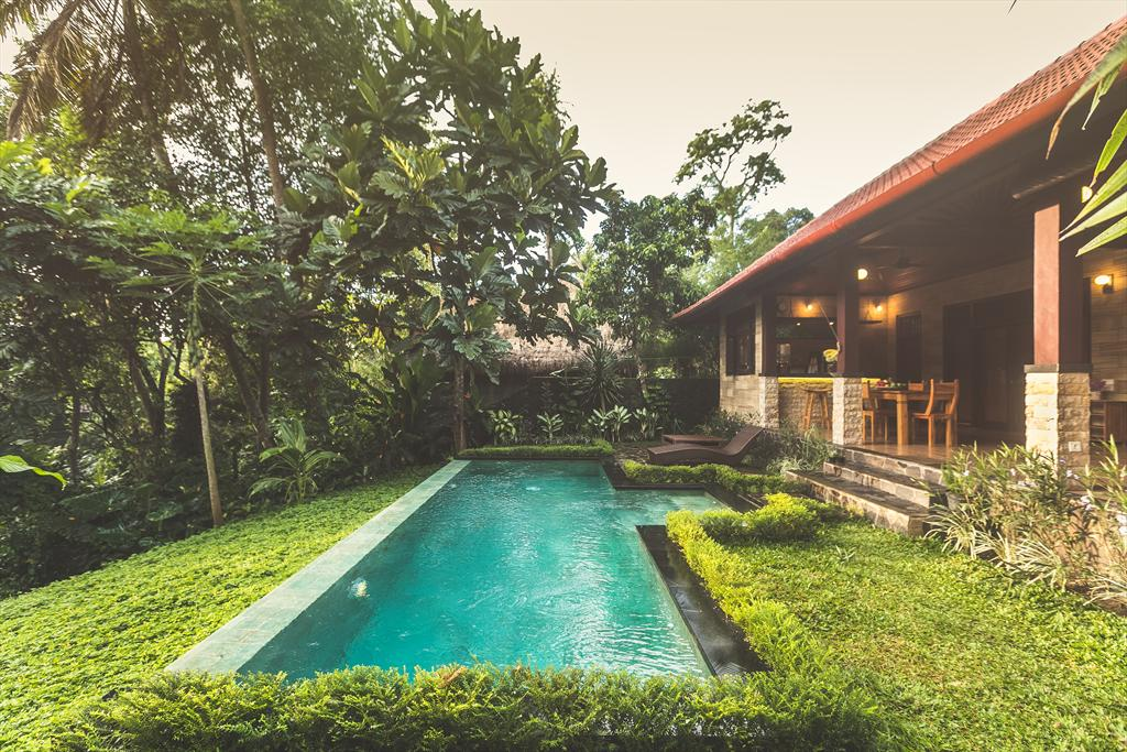 A Priori 1BR, Rustic and romantic villa  with private pool in Ubud, Bali, Indonesia for 2 persons...