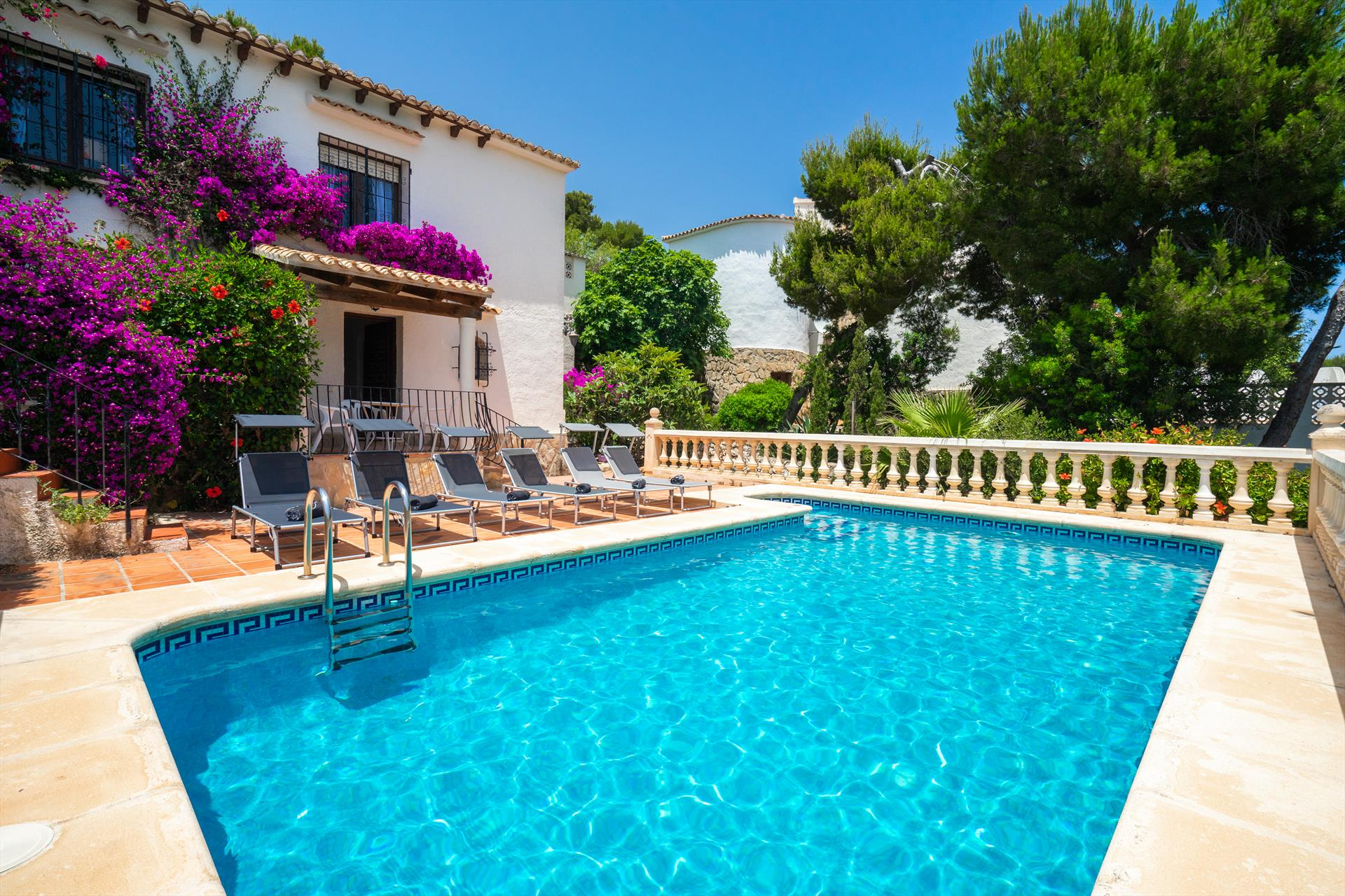 Casa Hibiscus, Beautiful and comfortable holiday home  with private pool in Javea, on the Costa Blanca, Spain for 6 persons.....
