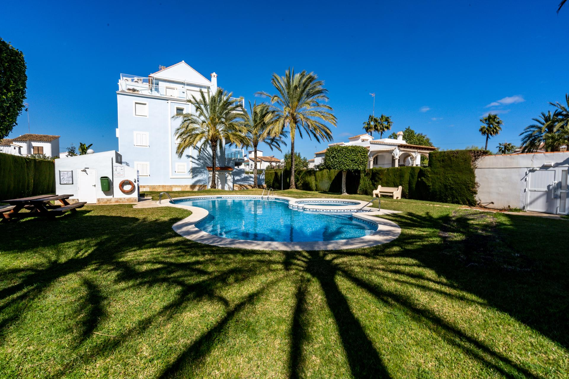 La Turquesa, Beautiful and comfortable apartment  with communal pool in Denia, on the Costa Blanca, Spain for 4 persons...
