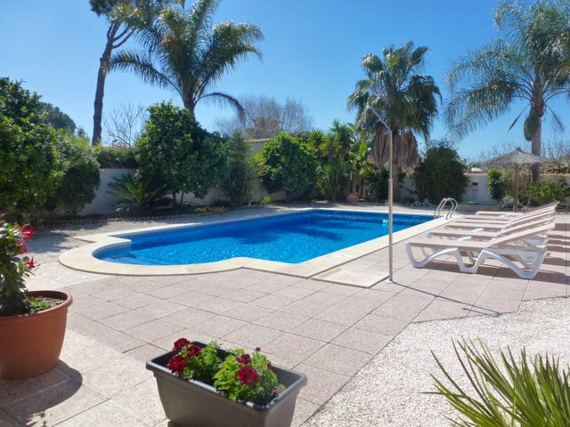 De Suenos, Villa  with private pool in Chiclana de la Frontera, Andalusia, Spain for 6 persons.....