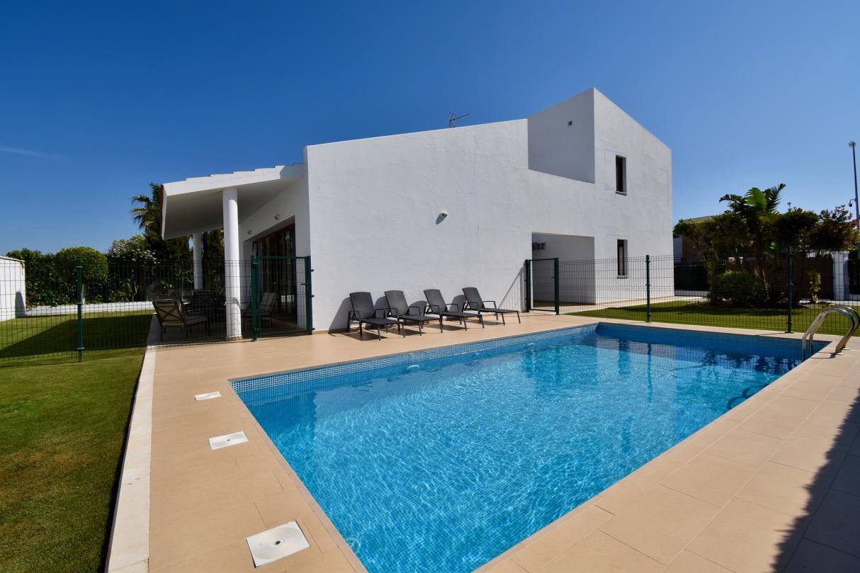 Andrea,Villa en Conil de la Frontera, Costa de la Luz, España  con piscina privada para 8 personas.....