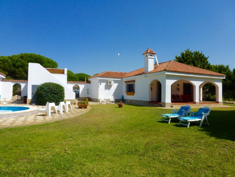 Luna, Villa  with private pool in Chiclana de la Frontera, Andalusia, Spain for 6 persons.....